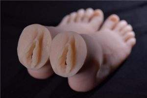 here you can see the orifice of the foot fetish male masturbator